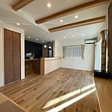 畳スペースのあるくつろぎの家